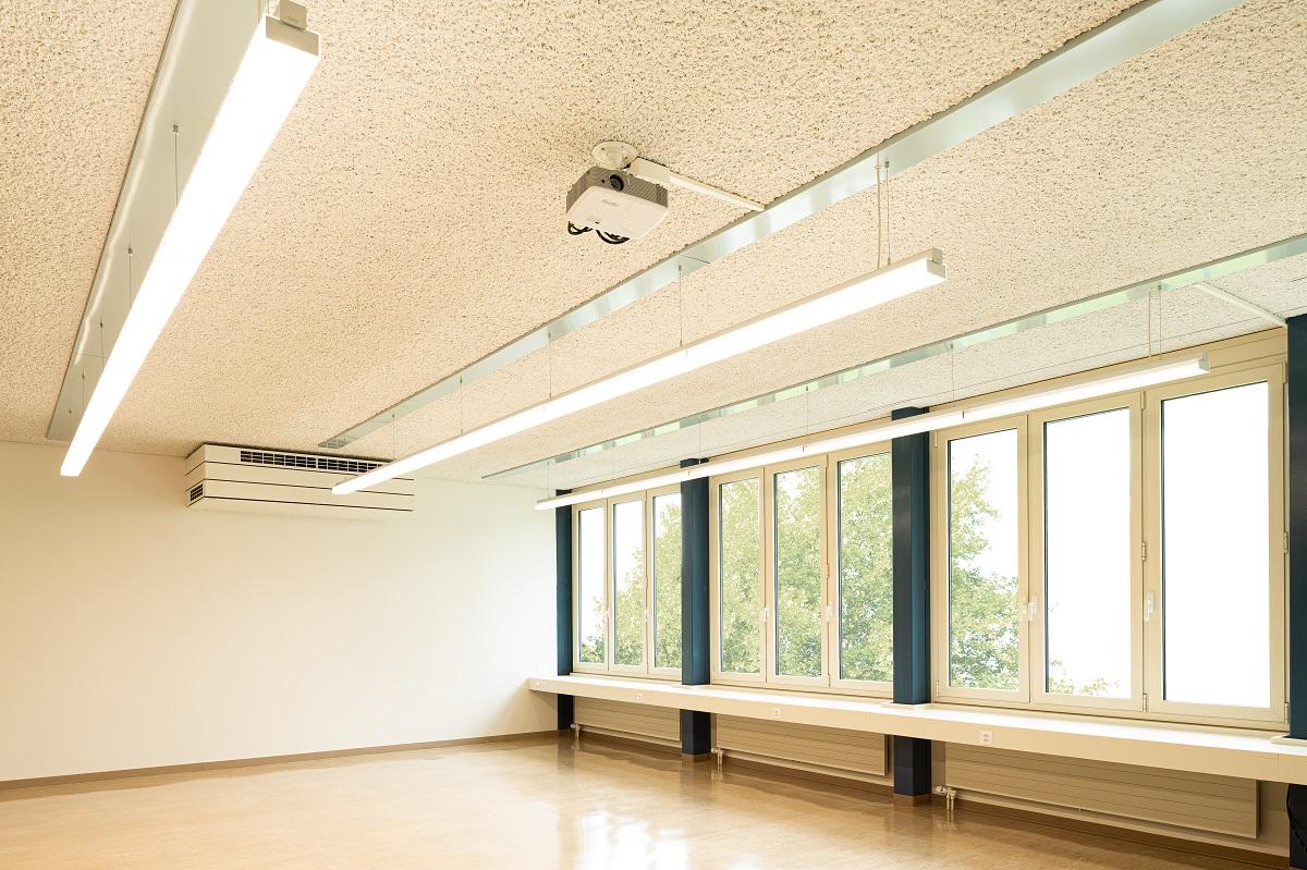 Schulhaus_Hof_6